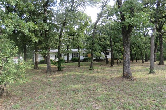 Photo of 1833 County Road 429  Cleburne  TX
