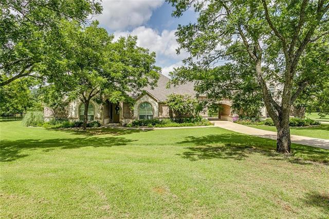 7300 Redbird Lane W, Burleson, Texas