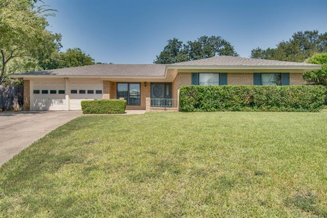 Photo of 1125 Shady Elm Court  Bedford  TX