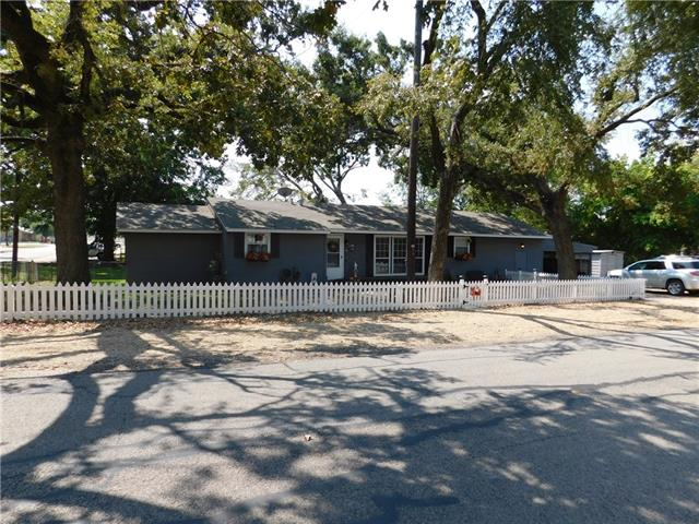 Photo of 206 E Oak Street  Edgewood  TX