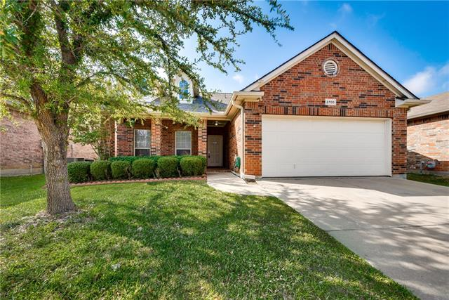 Photo of 2700 Silver Hill Drive  Fort Worth  TX