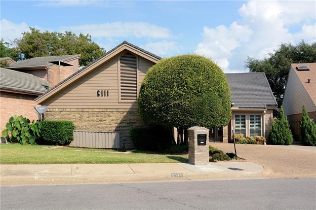 Photo of 6111 Twin Oaks Circle  Dallas  TX