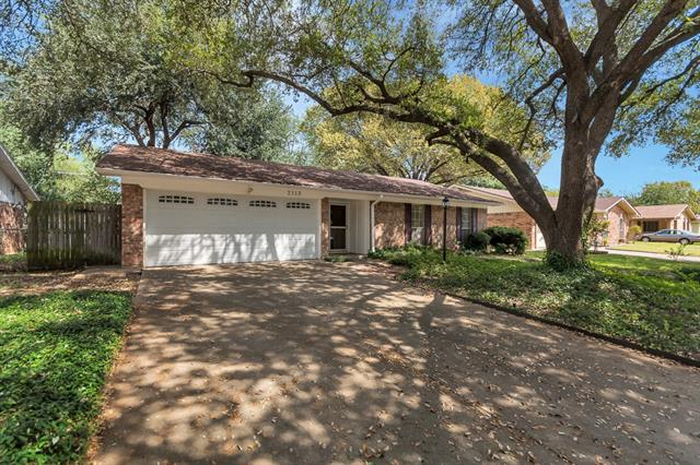 Photo of 2113 Spanish Trail  Irving  TX
