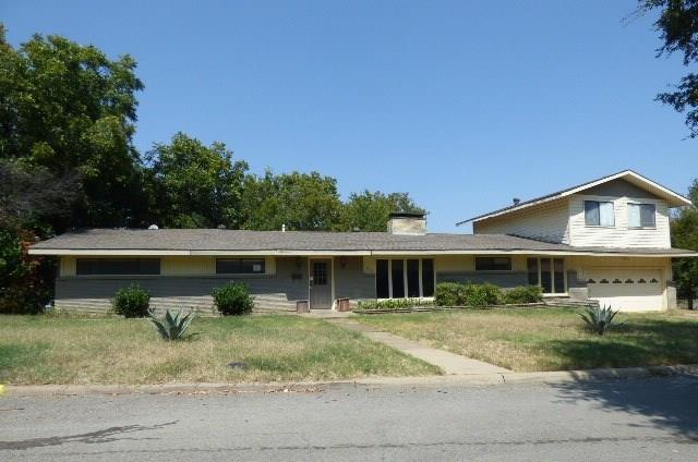 Photo of 830 Blackburn Street  Grand Prairie  TX