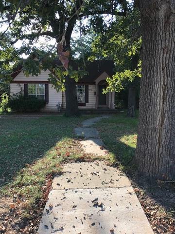 Photo of 445 Locust Street S  Sulphur Springs  TX