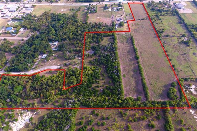 1051 E Parkerville Road, De Soto, Texas