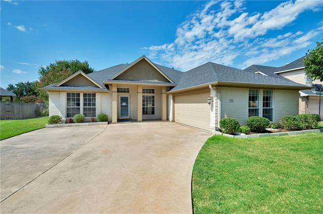Photo of 6724 Trail Cliff Way  Fort Worth  TX