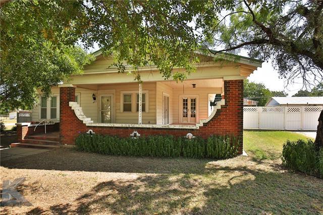 Photo of 441 Callowhill Street  Baird  TX