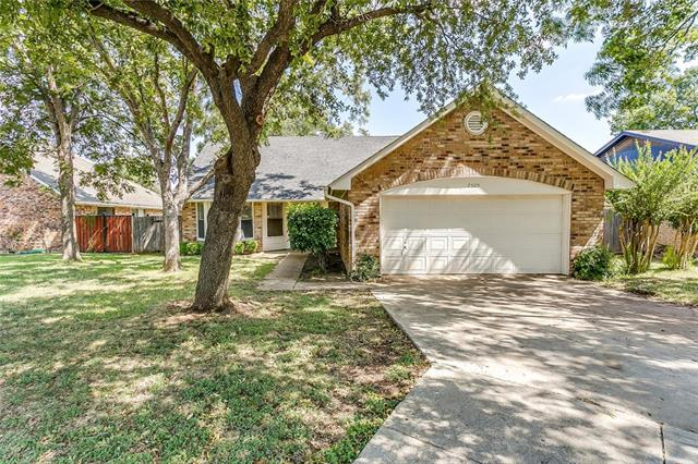Photo of 7505 Boulder Circle  Fort Worth  TX