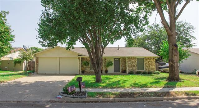 Photo of 812 Gettysburg Place  Bedford  TX