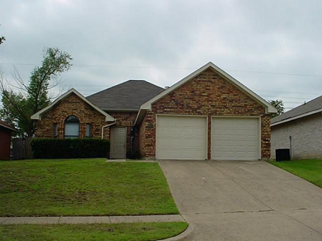 Photo of 907 Sharp Drive  Cedar Hill  TX