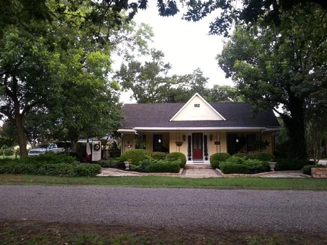 Photo of 306 N Porch Street  Tioga  TX