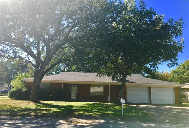 Photo of 10916 Blythe Court  Burleson  TX