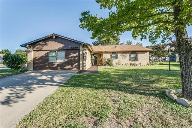 Photo of 3329 Centennial Road  Forest Hill  TX