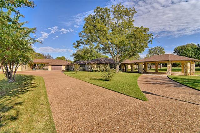 220 N Creekwood Drive Mansfield, TX 76063
