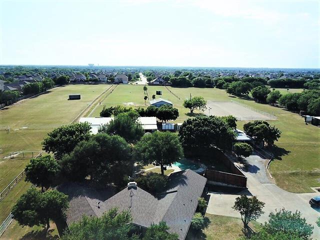 329 S Elerson Road, De Soto, Texas