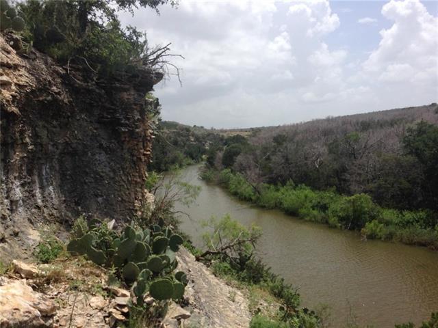 2044 Bluff Creek Drive Strawn, TX 76475