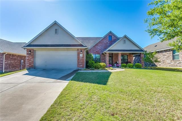 1049 Saint Andrews Drive, Burleson, Texas