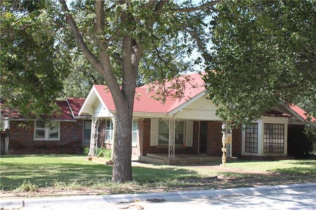 401 N Cummings Drive Alvarado, TX 76009