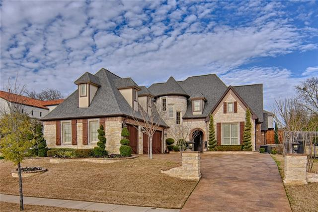 2002 Royal Crest Drive, Mansfield, Texas