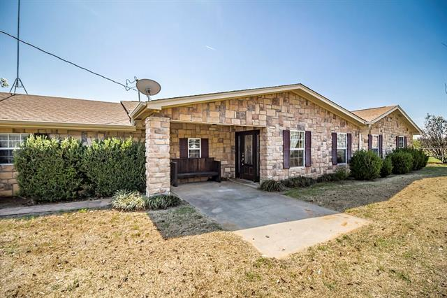 825 County Road 3696 Springtown, TX 76082