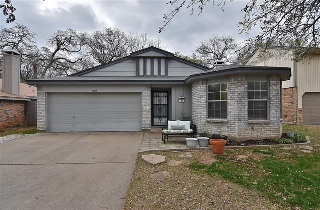 1000 Blue Jay Drive, Mansfield in Tarrant County, TX 76063 Home for Sale
