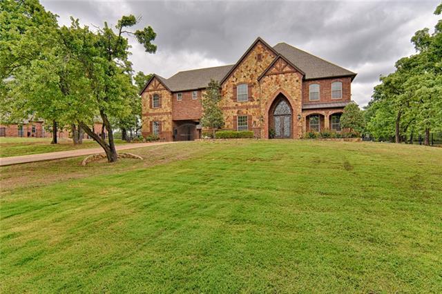7208 Heritage Oaks Drive, Mansfield, Texas