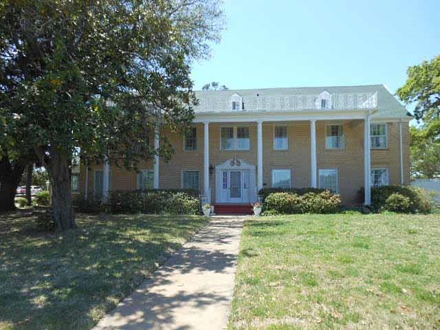 1304 Avenue L Cisco, TX 76437