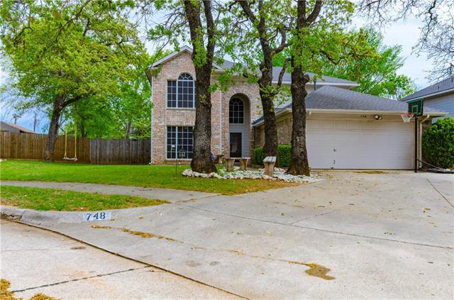 748 Cedar Leaf Circle Lake Dallas, TX 75065