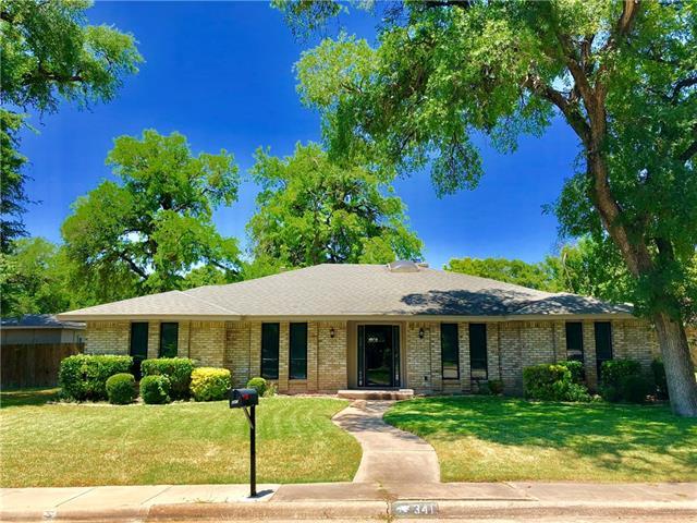 341 Woodbrook Drive, De Soto, Texas
