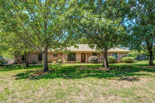 Keller Homes for Sale -  Single Story,  1017 Oakwood Circle