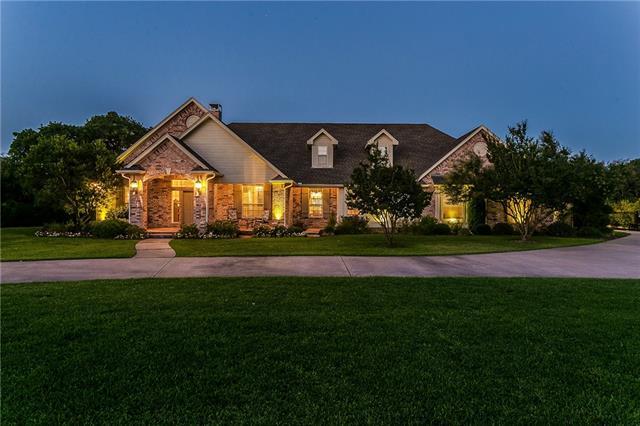5401 Hidden Valley Court, Mansfield, Texas