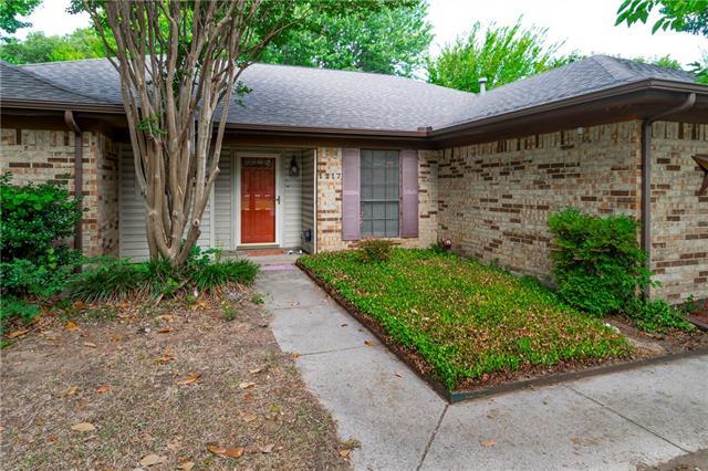 Keller Homes for Sale -  Ranch,  1217 Oak Drive
