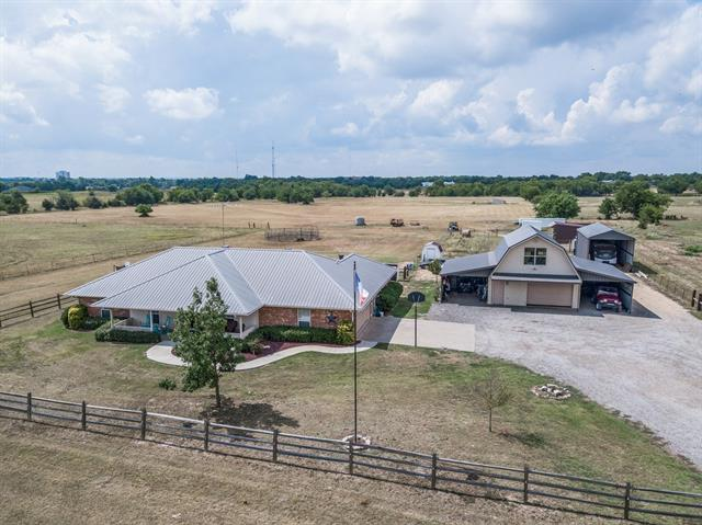 5445 County Road 4511 Commerce, TX 75428