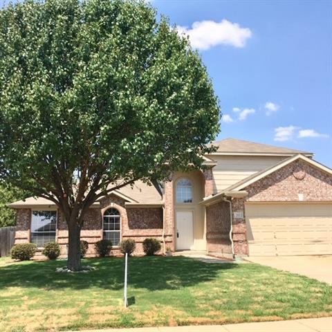 712 Glenview Drive, Mansfield in Tarrant County, TX 76063 Home for Sale