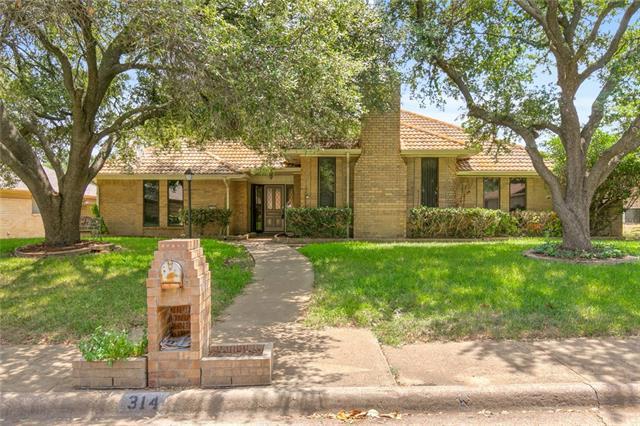 314 Cardinal Creek Drive Duncanville, TX 75137