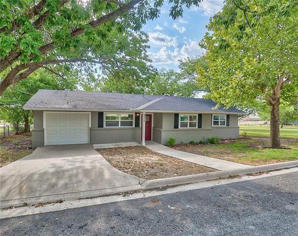 930 N Oak Street Muenster, TX 76252