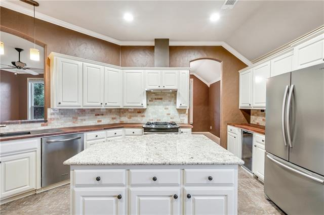 1 Leighton Court, Mansfield in Tarrant County, TX 76063 Home for Sale