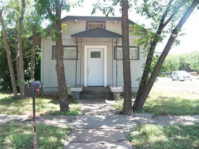 517 W Plum Street, Coleman, TX 76834