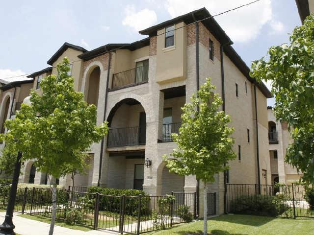 Dallas Uptown Homes for Sale -  Pool,  3825 Cole Avenue