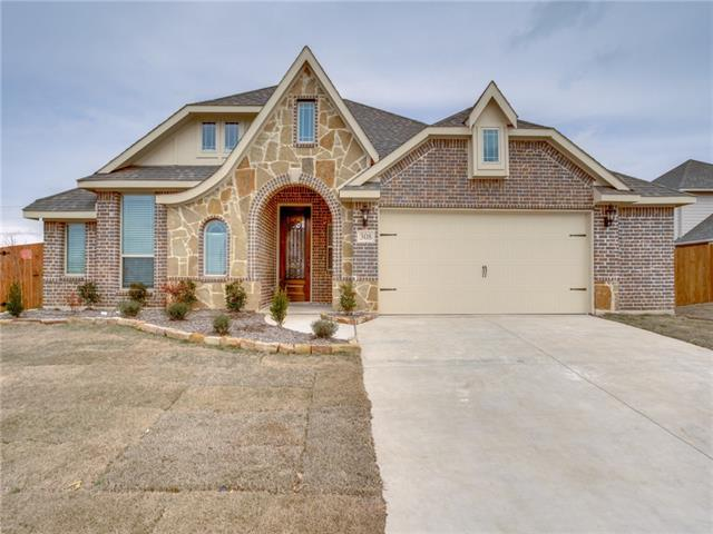 308 Clover Court, De Soto, Texas