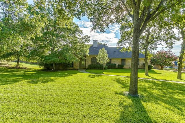 105 Cottonwood Court, Hudson Oaks, Texas