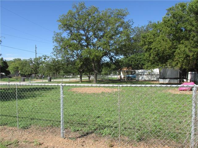 1700 N Davidson Street, Brady, TX 76825
