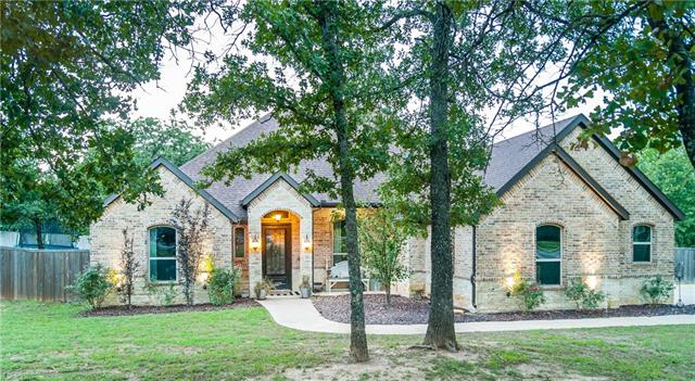 184 Overton Ridge Circle, Weatherford in Parker County, TX 76088 Home for Sale