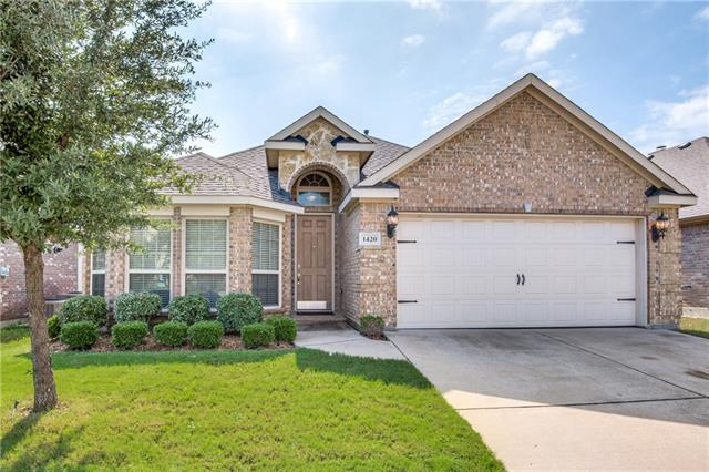 1420 Soaptree Lane, Fort Worth Alliance, Texas