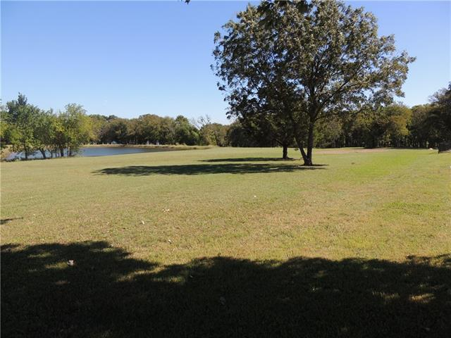 320 Golf Walk Circle Denison, TX 75020