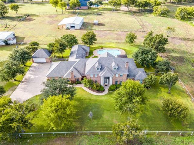 800 W Cleburne Road Crowley, TX 76036