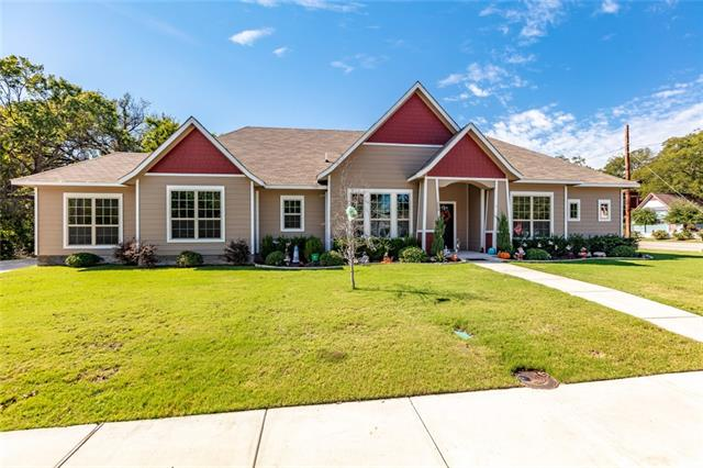 1008 S Brazos Street, Weatherford in Parker County, TX 76086 Home for Sale