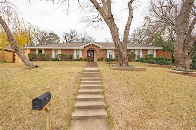 804 Rankin Drive, Bedford, Texas