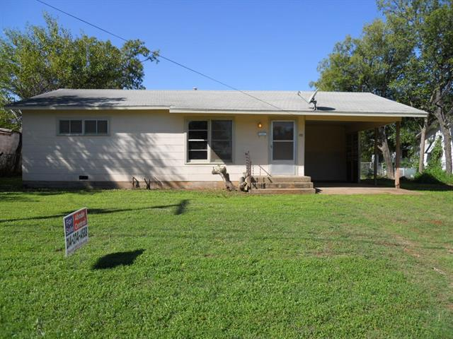 514 S Avenue C Olney, TX 76374